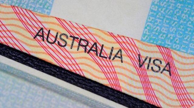 """""""抓紧让留学生返澳,放开技术移民!""""澳专家集体喊话政府!疫情恢复经济全靠他们!"""