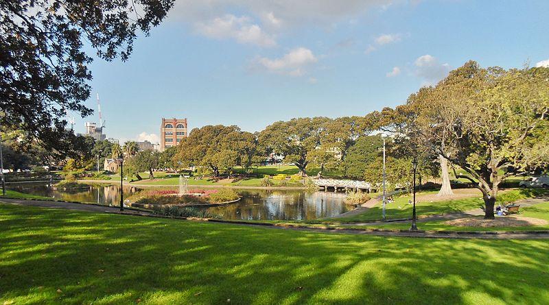 File:The University of Sydney Lake Northam 2013.jpg