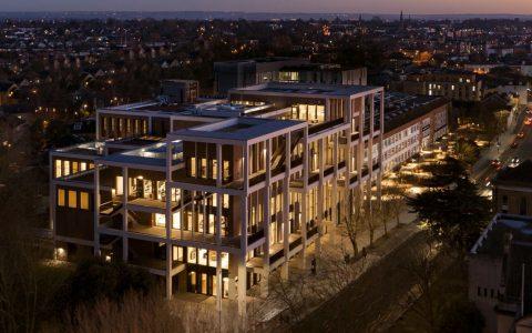 伦敦金斯顿大学 (Kingston University) – 排名、专业、申请(本科、硕士和预科)等最新信息