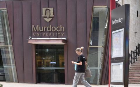 默多克大学被监管机构盯上了